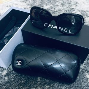 Chanel sunglasses NWOT